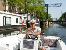 Hagenaar maakt 'begrijpelijke rondvaarttochten' door Amsterdamse grachten voor doven