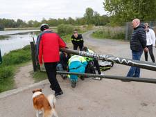 Fietser botst in buitengebied Eindhoven tegen slagboom en raakt gewond