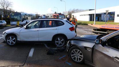 Twee gewonden bij zware aanrijding op N70