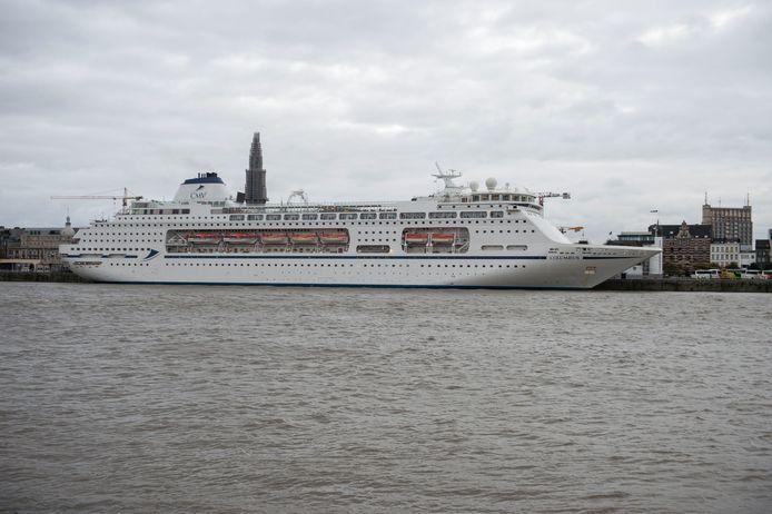 Cruiseschip De Columbus.