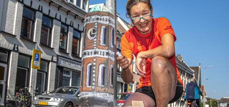 Monique geeft Assendorp kleur met stoepkrijt-Peperbusjes en hoopt op navolging van Zwolse jeugd