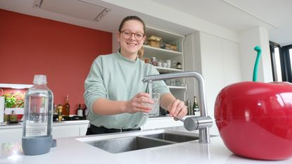 Janne (14) lanceert 'Tournée Minérale Junior': een hele maand lang geen frisdrank