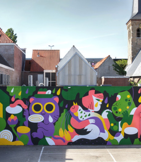 Paradijsvogel op 'blind wall' bij Mols Parking in Breda