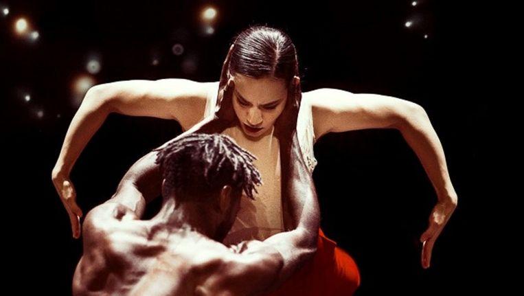 Prince Credell en Aram Hasler in Woke Up Blind door het Nederlands Dans Theater 1. Beeld Rahi Rezvani