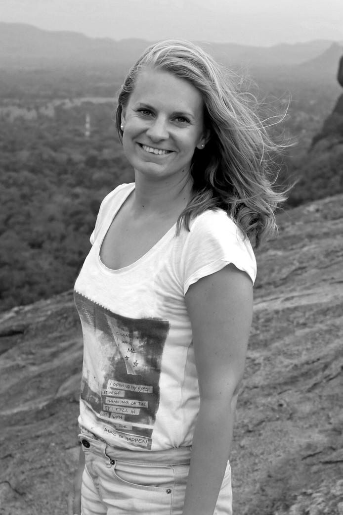 Wilma Kippers  kreeg postuum haar bul uitgereikt van de Universiteit Twente. De 26-jarige Wierdense verongelukte afgelopen zomer in Griekenland.