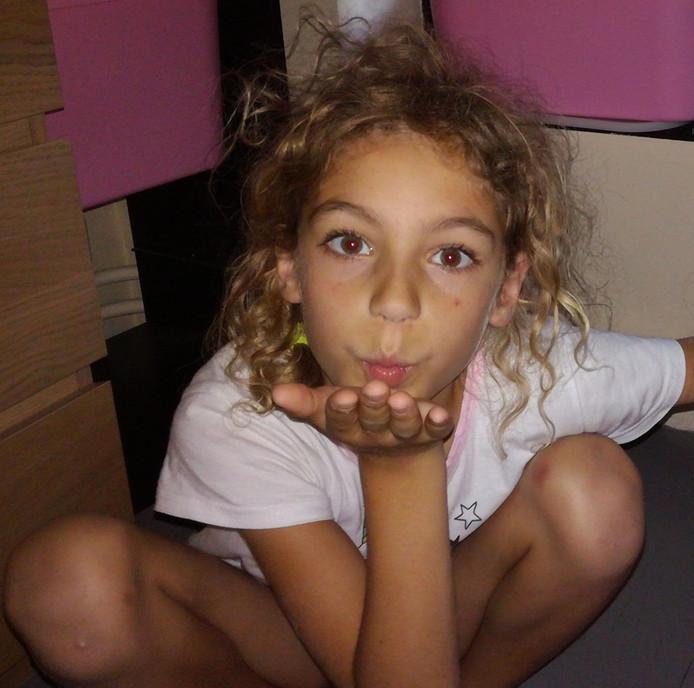 Lisa, neuf ans, souffre d'une rechute d'un neuroblastome de stade 4