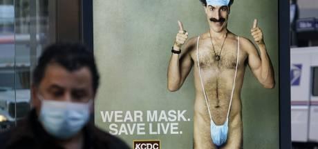 Trumps advocaat Giuliani ontkent misdraging in nieuwe Borat-film: 'Keiharde leugen'