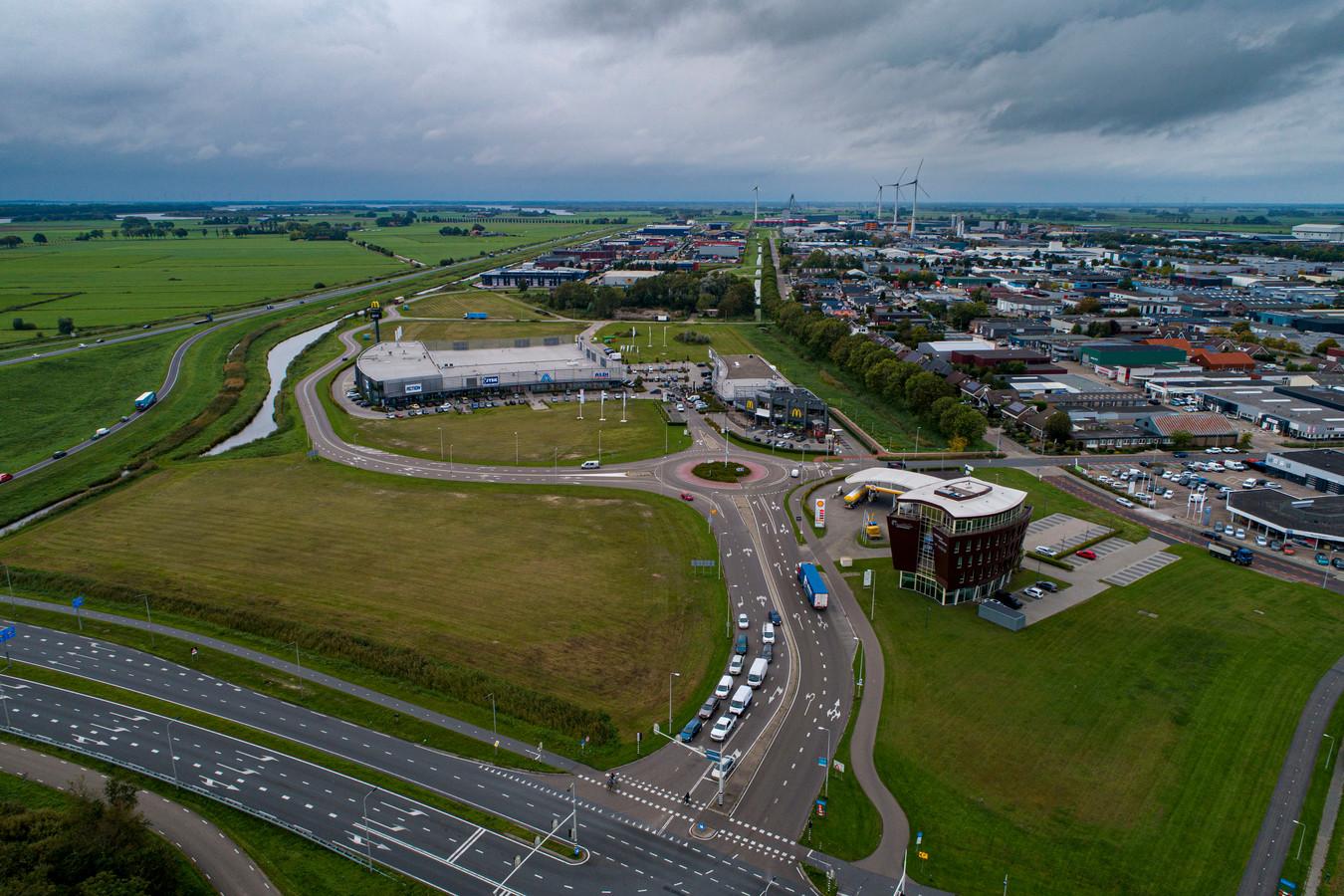 Het besluit om de resterende grond in het Melmerpark in te vullen met detailhandel valt slecht bij ondernemers in de binnenstad.