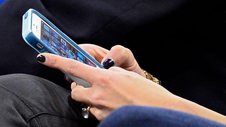 De elektronicazaken Dixons, Mycom en iCentre volgen de gangen van klanten door het wifi- of bluetooth-signaal van hun mobiele telefoons te onderscheppen in alle 160 zaken. Beeld epa