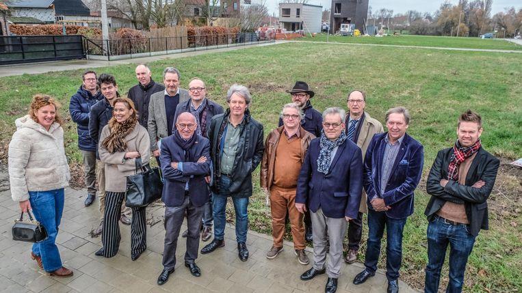 De betrokkenen van het project, in de Peperstraat in Heule.