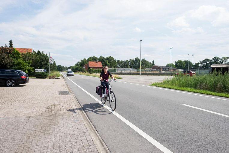 Op de Essensteenweg tussen Nieuwmoer-Dorp en Essen is het nu gevaarlijk fietsen. Maar daar komt dus verandering in.