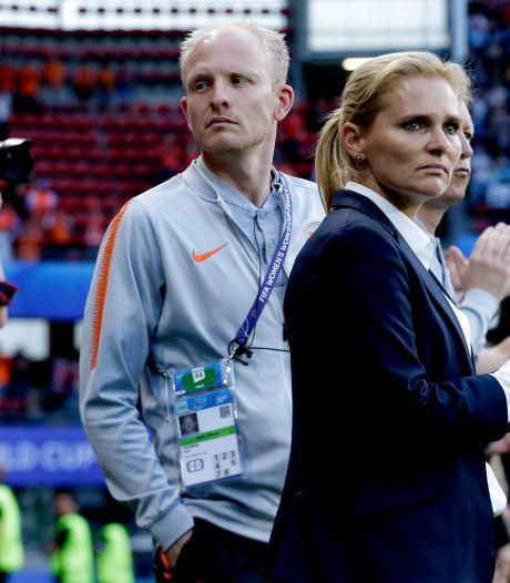 KNVB raakt na bondscoach Wiegman ook assistent Veurink kwijt aan Engeland