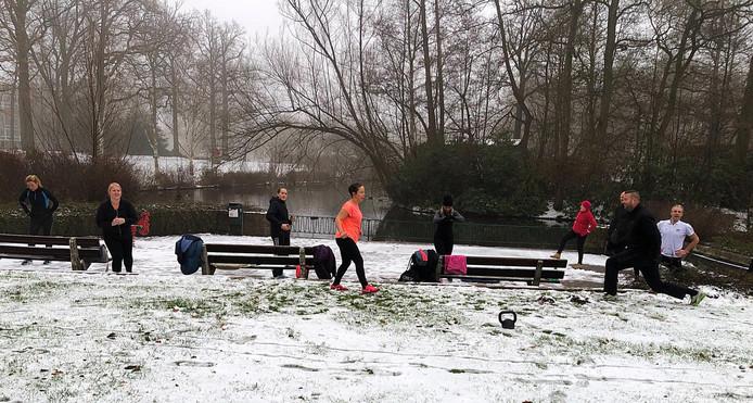 Als je een bootcamp hebt, dan zeg je die natuurlijk niet af voor een beetje sneeuw.