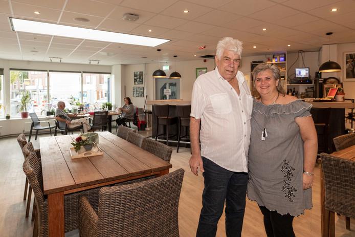 Vader Harry Visser en dochter Ina Blans zijn zeven dagen per week in De Erker te vinden.