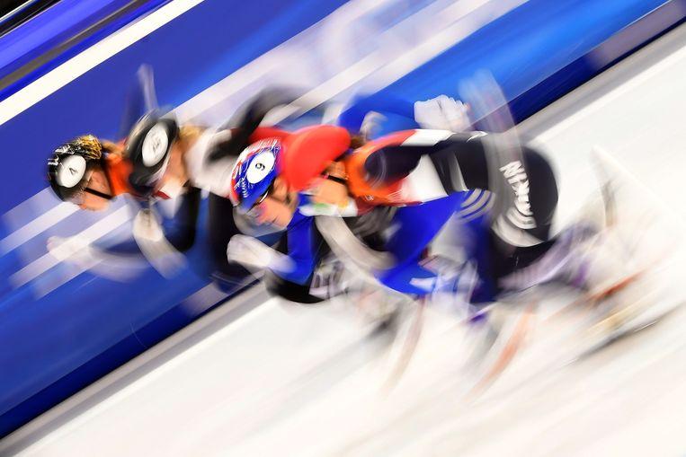 Lara van Rujiven, Natalia Maliszewska, Martina Valcepina en Suzanne Schulting op de 500 meter. Beeld EPA