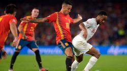 LIVE. Alcácer staat één minuut op het veld en geeft Spanje opnieuw hoop: spits buffelt staalhard binnen