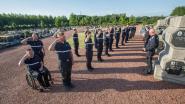 Brandweermannen houden serene herdenking