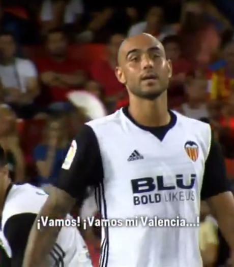 Zaza zingt tijdens wedstrijd mee met fans Valencia