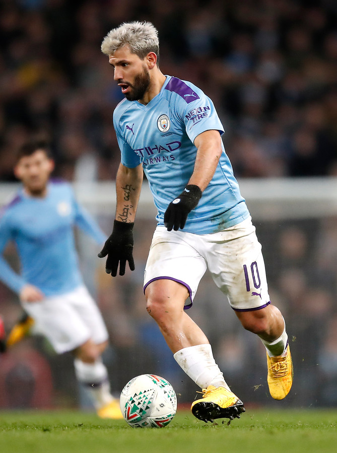 Sergio Agüero in actie namens Manchester City.