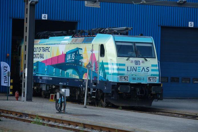 Om de oplossingen voor een betere mobiliteit luister bij te zetten, onthulde Lineas vandaag zijn gloednieuwe Modal Shift Locomotief.