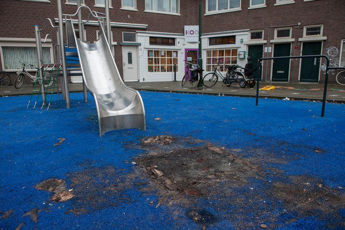 Vuurwerkschade bij de speeltuin aan de Bossche Dageraadsweg.