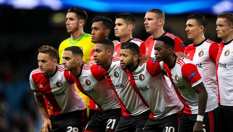 De elf van Feyenoord poseren voor aanvang van de Champions Leaguewedstrijd tegen Manchester City. Beeld null