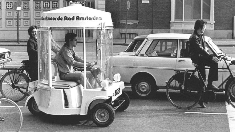 Eind jaren zeventig was de elektrische witkar een vertrouwde verschijning in het straatbeeld Beeld anp