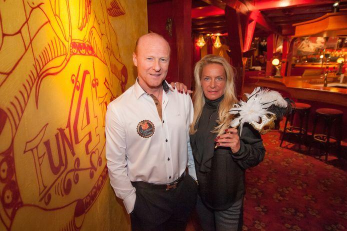 Eigenaren van Fun4Two in Moordrecht Bobby Groenteman en Linda Koning sluiten tijdelijk hun parenclub vanwege het coronavirus.