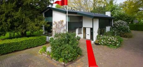 Oud-burgemeester gebruikt 'rode loper' als verkooptruc voor Vriezenveense villa