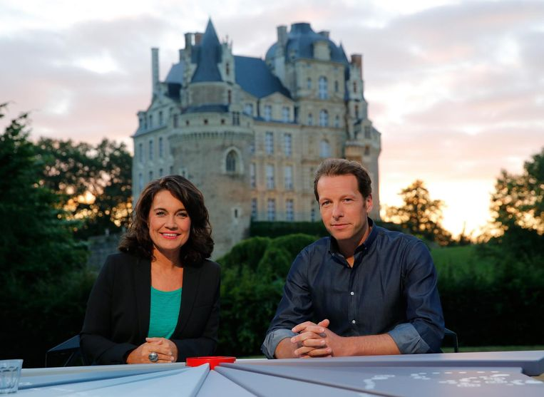 Dione de Graaff en Herman van der Zandt evenaarden het gemiddeld aantal kijkers van Mart Smeets in 2014: 871 duizend per uitzending. Beeld anp