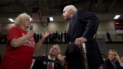 """Het moment waarop John McCain zijn ware karakter toonde: """"Nee, mevrouw, Obama is een fatsoenlijk mens"""""""