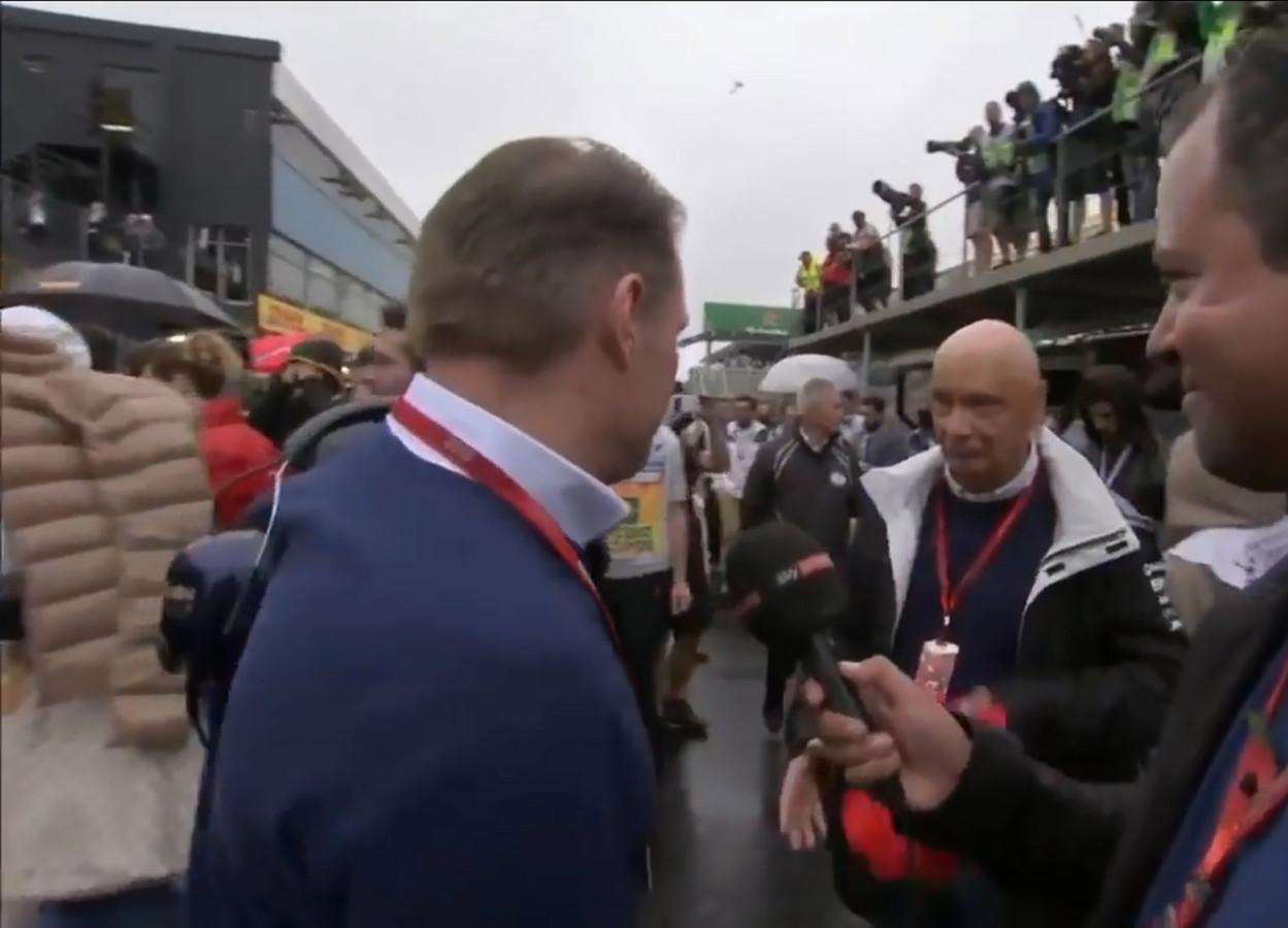 Lauda neemt pet af voor Jos Verstappen.