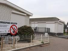 Burgemeester sluit twee drugspanden in Helvoirt na vondst hennepkwekerijen en 250 duizend euro