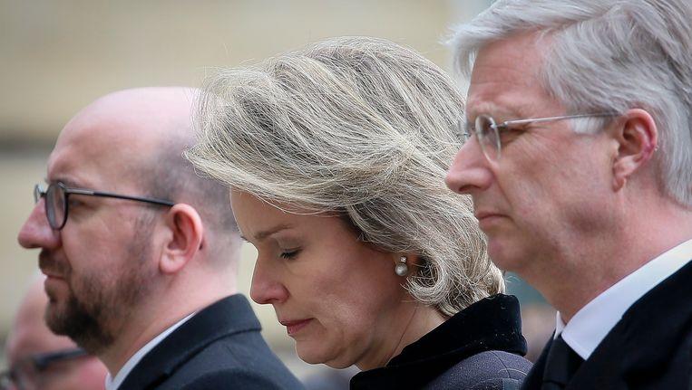 Koning Filip en koningin Mathilde namen op 24 maart, twee dagen na de aanslagen, deel aan een stiltemoment ter nagedachtenis van de slachoffers van de aanslagen.