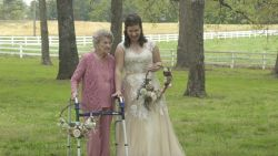 Maak kennis met Naomi het bruidsmeisje van 98 jaar
