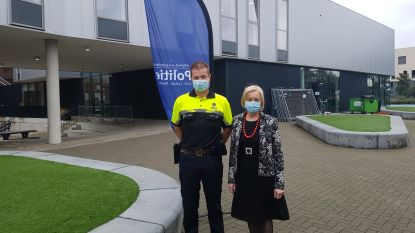 """Jan is eerste 'scholenagent' in de Kempen: """"Drempel tussen politie en middelbare scholieren verlagen zodat ze ons contacteren voor de zaken escaleren"""""""