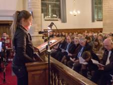 Kruiningen herdenkt voor tiende keer watersnoodslachtoffers in Johanneskerk. 'Ooggetuigen vinden wordt steeds moeilijker'