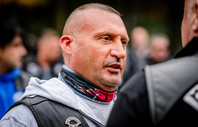 Klaas Otto in de clubkleding van No Surrender. Hij is de oprichter van de motorbende.