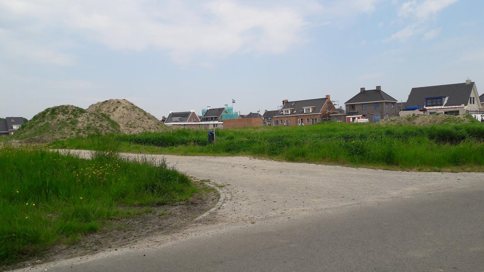 Nieuwbouwwijk Steehof in Yerseke.  Reimerswaal wil ook mensen die al een vergunning hebben, maar nog niet zijn begonnen met bouwen verleiden om gasloos te gaan.