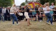 Marina Wally gooit de eerste 'sjakos' en toont zich ook in het touwtrekken: eerste WK lokt liefst 1.000 mensen