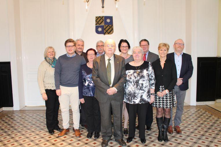 Samen met zijn echtgenote werd oud-schepen Jos Verhulst ontvangen op het gemeentehuis.