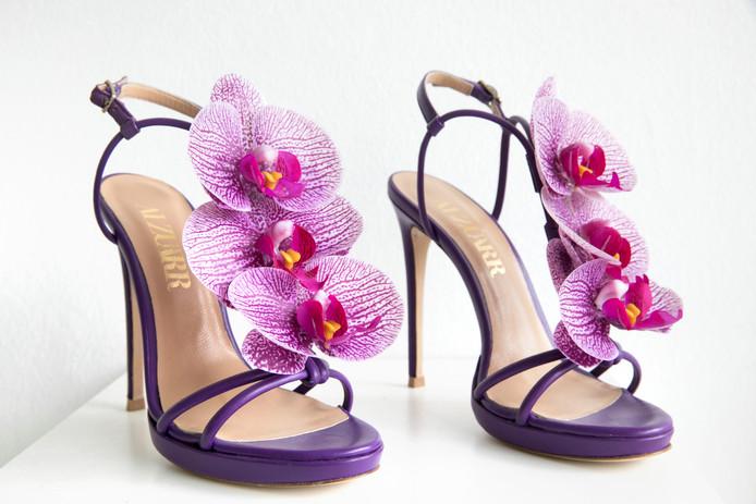 """,,De bloemen zijn een ode aan mijn moeder, die is gek op orchideeën."""""""