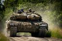 Het Duits-Nederlandse tankbataljon tijdens de jaarlijkse trainingssessie SOB/SOMS in Duitsland.