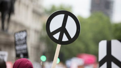 Voor het eerst in vijf jaar is er iets meer vrede in de wereld