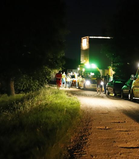 Twee jonge mannen gewond door ontplofte fles ethanol op woonboot in Heijen