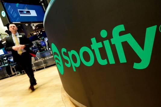 Spotify logo op de beursvloer van de New York Stock Exchange.