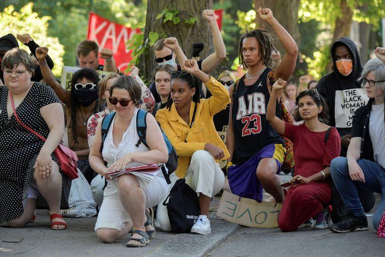 Een protest in Stockholm. Beeld via REUTERS