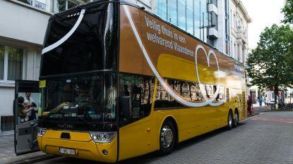 We gaan op schoolreis en nemen mee... de campagnebus van N-VA