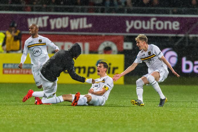 Onder Brood worden in de eerste twee duels direct vier punten gepakt. Tegen VVV-Venlo werd het 1-1, maar echte vreugde is er 3 april. Aanvoerder Menno Koch maakt in blessuretijd de winnende treffer tegen Excelsior: 1-2.