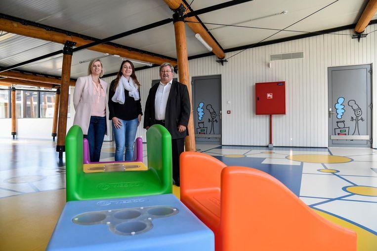 Annelies Merckx, Stefanie Seymons en Patrick Meulebroek in het Huis van het Kind.